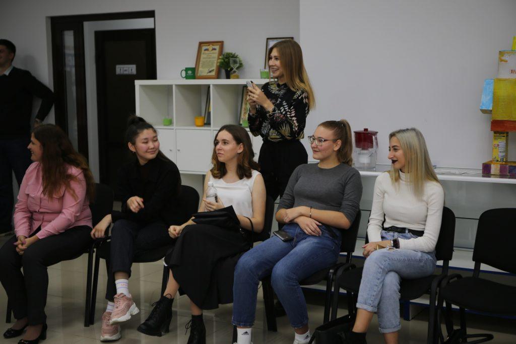 Обучение молодежи на базе Ресурсного центра продолжается
