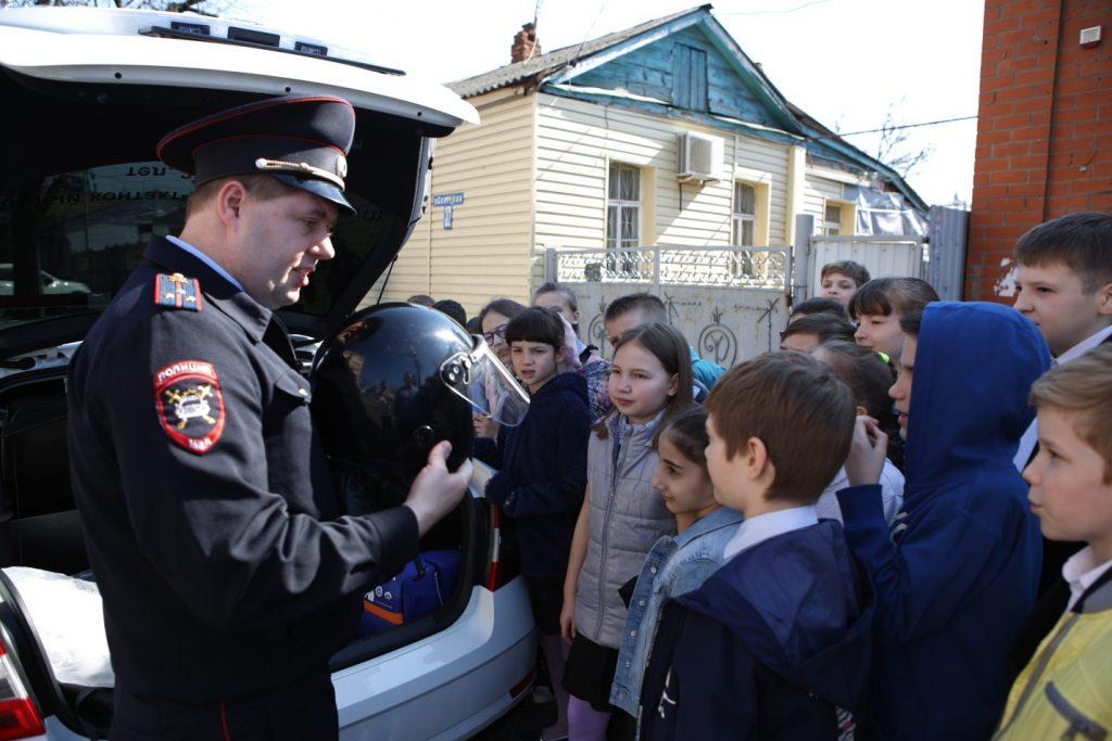 Юным инспекторам рассказали о светофорах